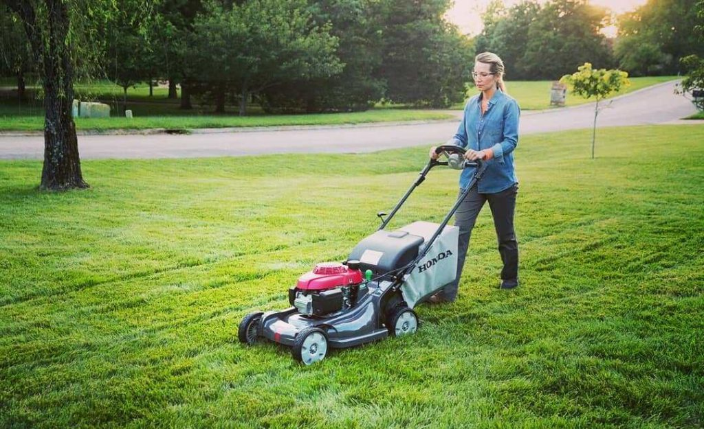 how to mow with a riding mower